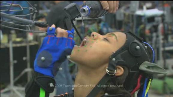 File:Zoe Saldana drinking scene.jpg