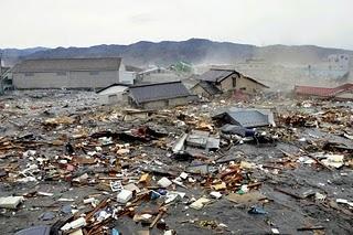 File:Japan-tsunami-earthquake-photo-stills-005.jpg
