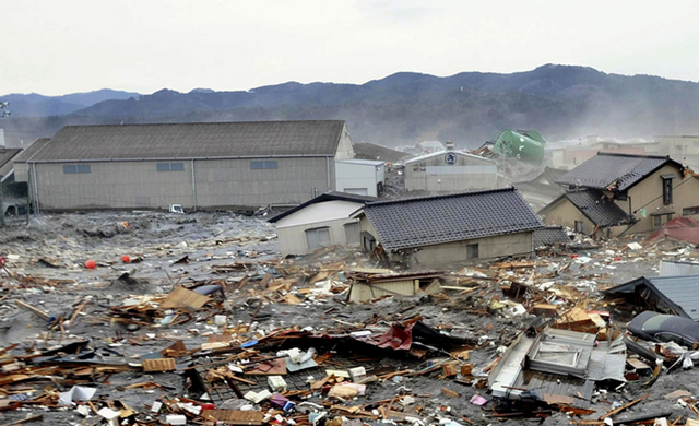 File:Tsunami wreckage.png