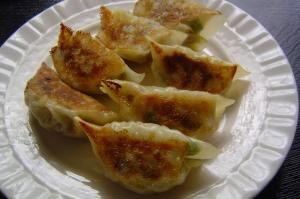 File:Pan-fried-gyoza.jpg