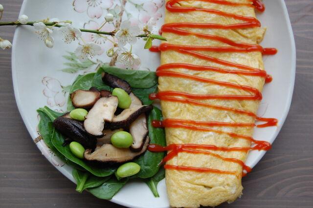 File:Fiona's Japanese Cooking - Omlette - Shitake mushroom spinach edamame - tomato sauce.jpg