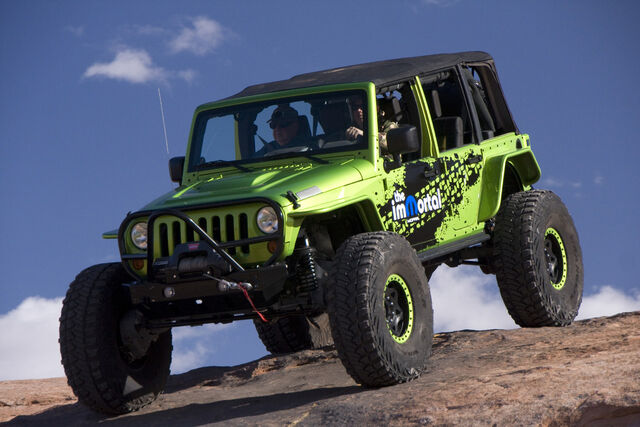 File:01-easter-jeep-safari.jpg