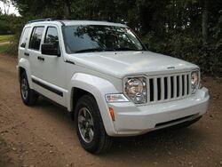 2008 Jeep Liberty KK white-f