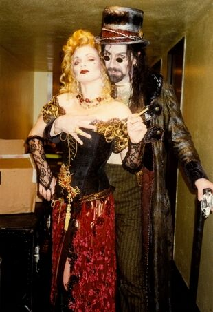 Martin Van Treuren as The Spider with Nita Moore as Nellie