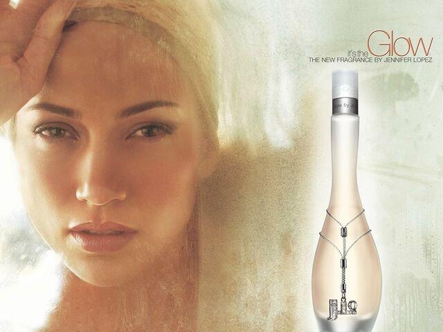 File:Glow jennifer lopez perfume ad.jpg
