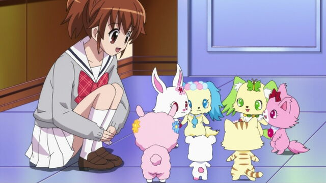 File:Hinata talking with the Jewelpets.jpg
