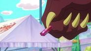 Dragon Headmaster giving a gum