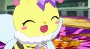 CHAROTTE EATING AN OMELET