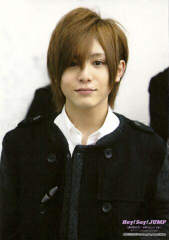 File:RyosukeYamada2011-04.jpg
