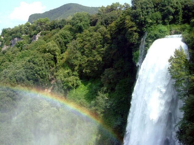 File:Waterfalls-top.jpg