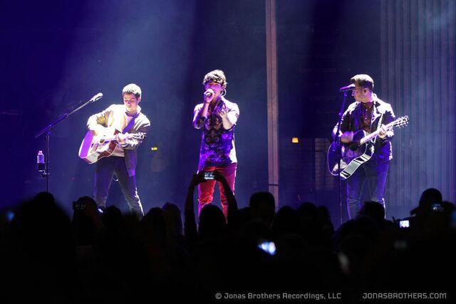 File:Photo- Radio Vity Music Hall Concert.jpeg