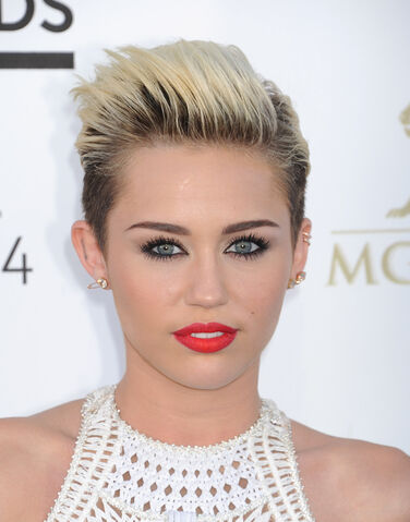 File:Miley-Cyrus-short-hair.jpg