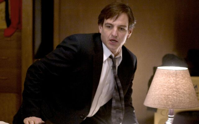 File:Grudge-still-of-william-mapother-in-the-grudge-(2004).jpg