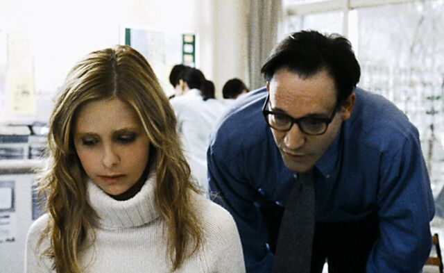 File:Still-of-sarah-michelle-gellar-and-ted-raimi-in-the-grudge-(2004)-large-picture.jpg