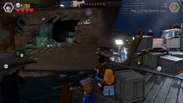 File:LEGO SS Venture hole.jpg