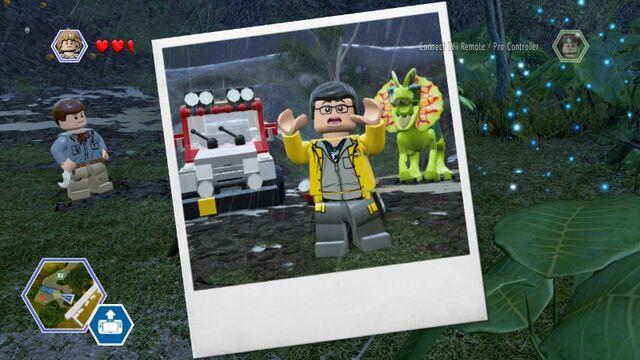 File:LEGO Jurassic World JP1 Dennis Nedry & Dilophosaur Photo MlWA77xSe9QqkhvCnT.jpg