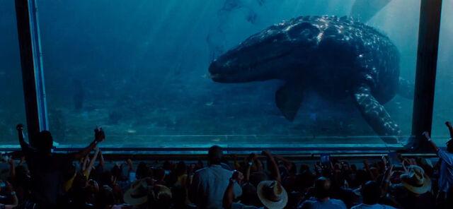 File:Jurassic world mosasaur underwater viewing by sonichedgehog2-d8qh42j.jpg