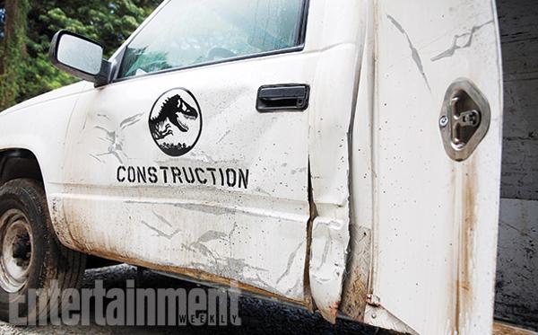 File:Trashed truck.jpg