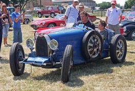 Bugatti Type 35 (left front corner)