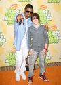 Justin Bieber and Usher at the 2009 Kids Choice Awards