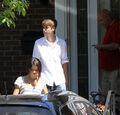 Selena Gomez leaves Justin Bieber's grandparents' house 3