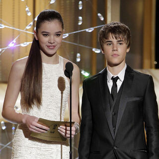 Hailee Steinfeld and Justin presented the