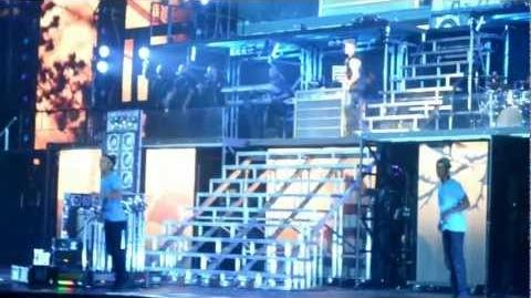 Justin Bieber crying while singing to Avalanna BELIEVEtour 9 29 12 Arizona