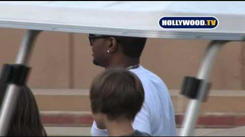 Usher Arrives At The Kids Choice Awards On Saturday