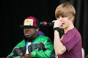 Justin Bieber singing at Easter Egg Roll