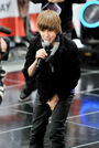 Justin Bieber Performs on 'The Today Show' 2009