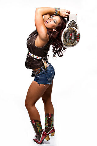 File:3mickie james 2874-1-.jpg