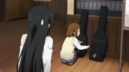 Yui tells Elizabeth to have fun with Giita