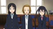 Mio, Ritsu and Azusa nervous