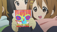 Yui with a Love Crisis CD