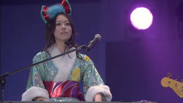 File:Minako playing keyboard (Live Concer Let's Go!).jpg
