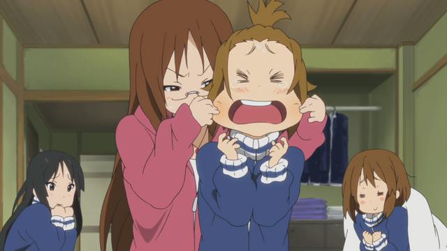 File:Sawako punishes Ritsu.png