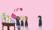 Yui, mugi and ritsu opening presents