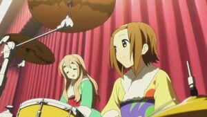 Tsumugi and Ritsu