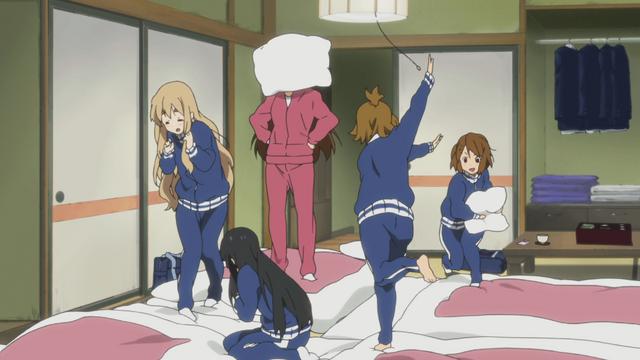 File:Ritsu throws pillow at Sawako.png