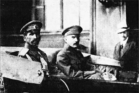 File:Savinkov and General Kornilov.jpg