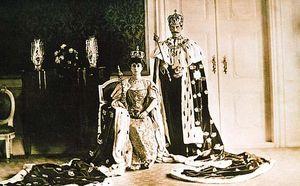 File:Haakon VII coronation.JPG