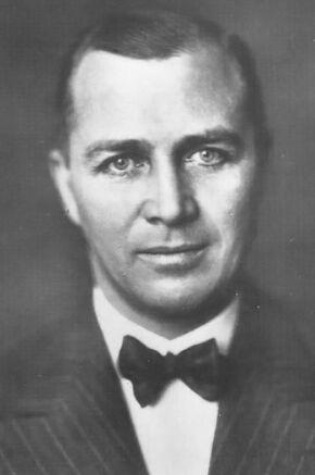 Gunther Plüschow Profile