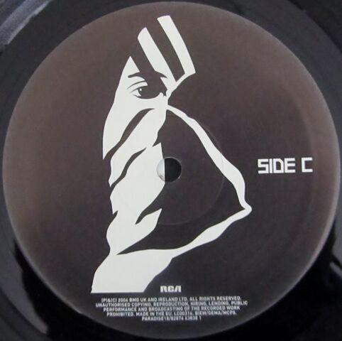 File:Kasabian 2x10 Vinyl Album (PARADISE18) - 6.jpg