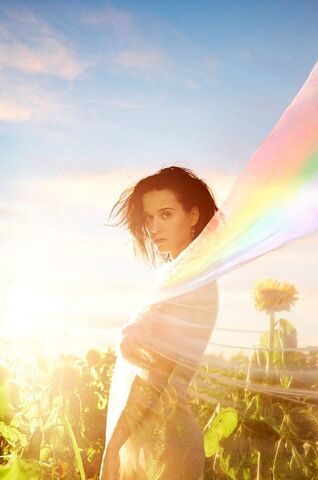 File:Katy-perry-photoshoot-for-new-prism-2013- 10.jpg