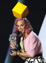 File:Katy Perry Awards 1.jpg
