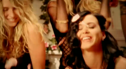 File:Katy Perry-I Kissed A Girl music video.png