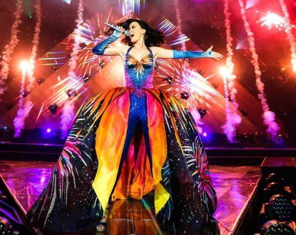 File:Firework prismatic world tour.jpg