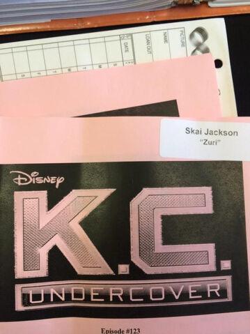 File:123 episode Skai Jackson as Zuri.jpg