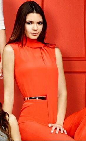 File:Kendall-Jenner--2014-Keeping-Up-with-the-Kardashians-Season-9-Promoshoot--04-560x919.jpg