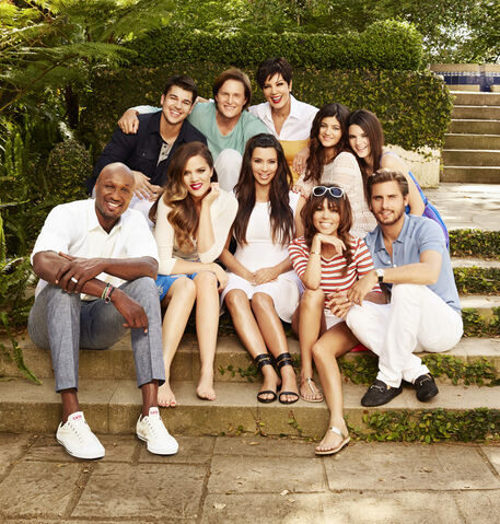 File:Keeping-up-with-the-kardashians-season-8-3.jpeg